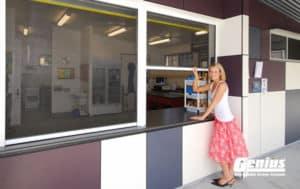 Commercial Counter Retractable Screens